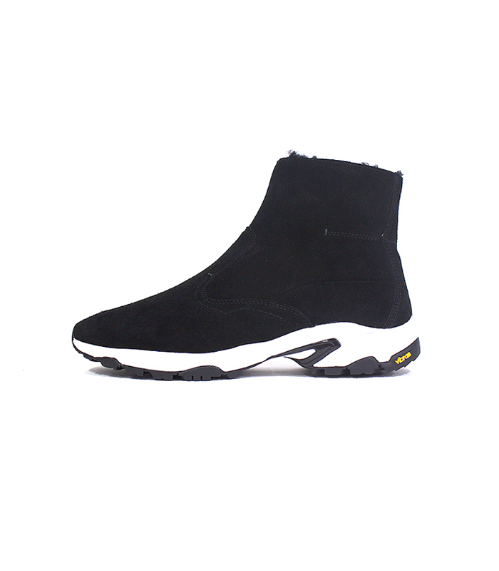 mythography 16 a/w  sheepskin boost (black)